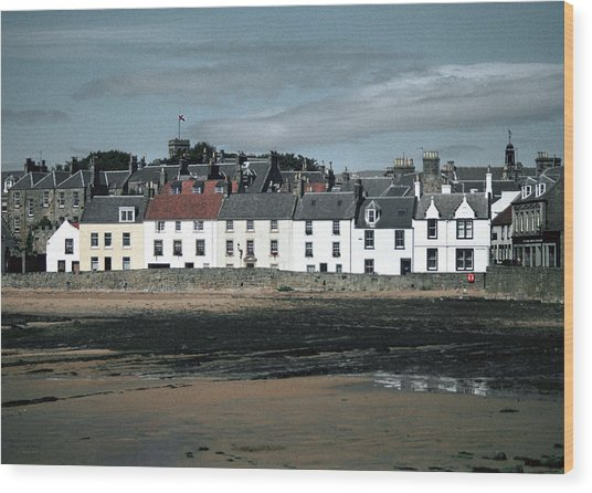 Anstruther Beach Wood Print