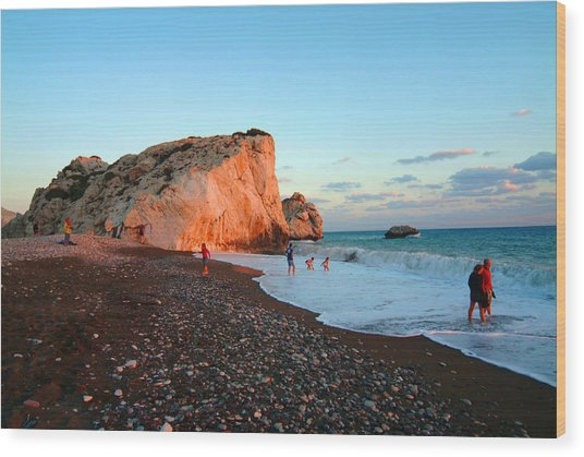 Aphrodites Rock Wood Print by Donald Buchanan