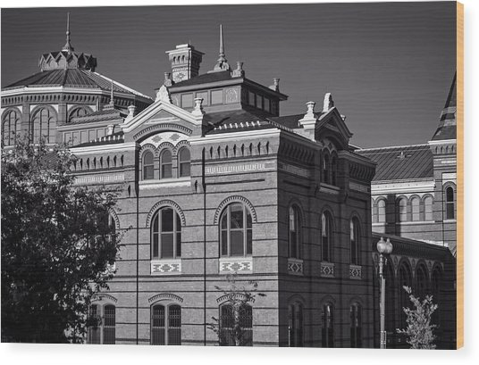 Arts And Industries Building In Black And White Wood Print