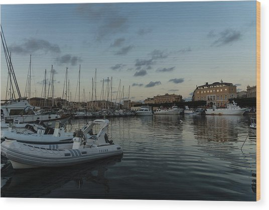 As The Evening Gently Comes - Ortygia Syracuse Sicily Grand Harbor Wood Print
