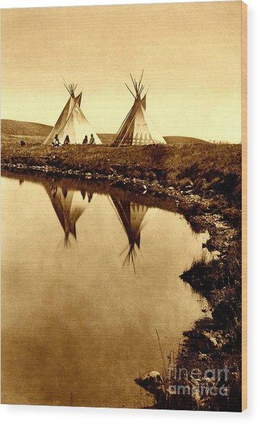 At The Waters Edge 1910 Wood Print