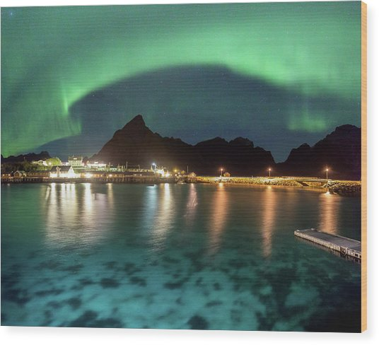 Aurora Above Turquoise Waters Wood Print