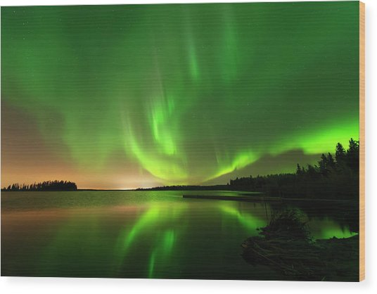 Aurora Borealis At Elk Island National Park Wood Print