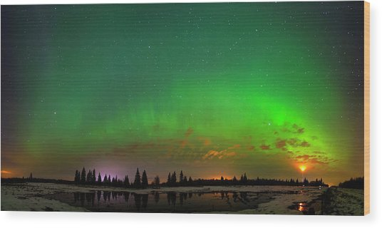 Aurora Over Pond Panorama Wood Print