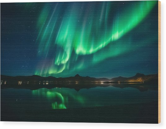 Aurora Surprise Wood Print