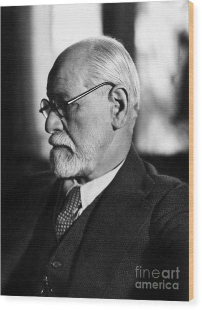 Austrian Psychoanalyst Sigmund Freud In 1925 Wood Print