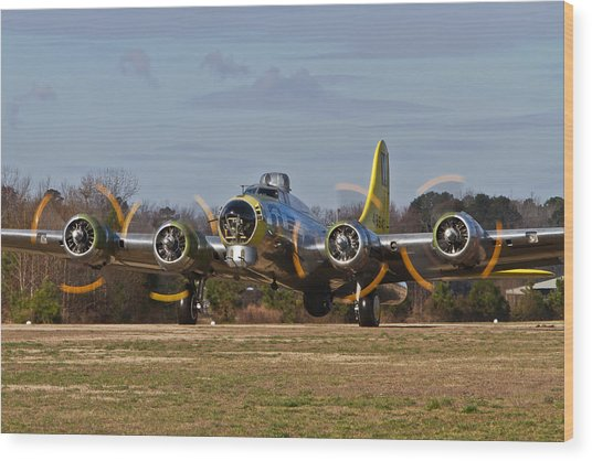 B-17 Chuckie Taxis Out Wood Print
