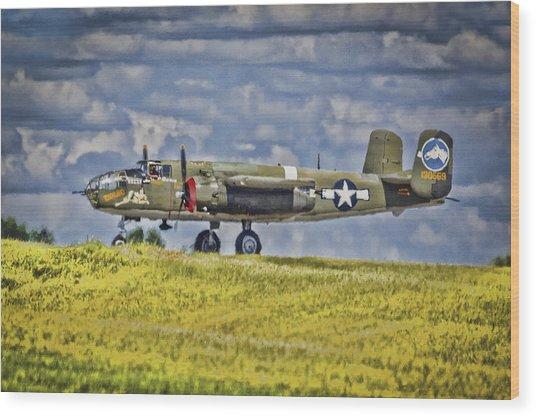 B-25 Landing Akron/canton Ohio Wood Print
