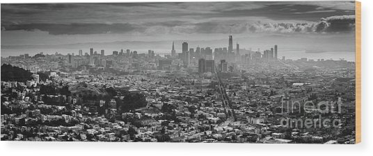 Back And White View Of Downtown San Francisco In A Foggy Day Wood Print