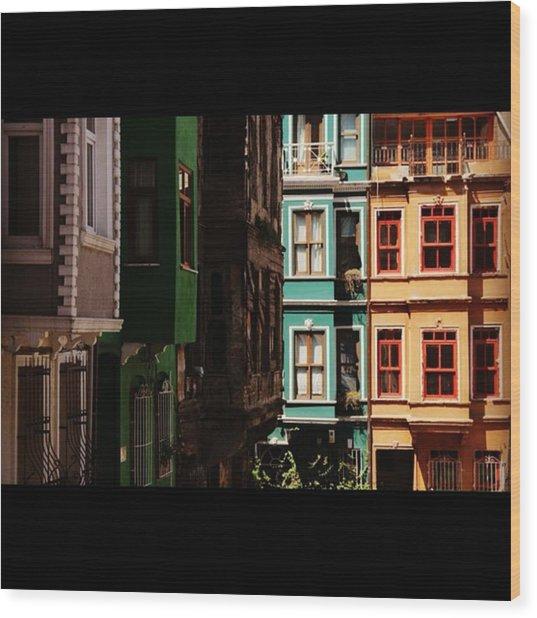 #balat #istanbul #eskibinalar #renkli Wood Print