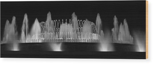 Barcelona Fountain Nightlights Wood Print