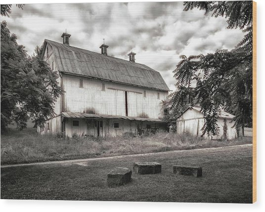 Barn In Black And White Wood Print