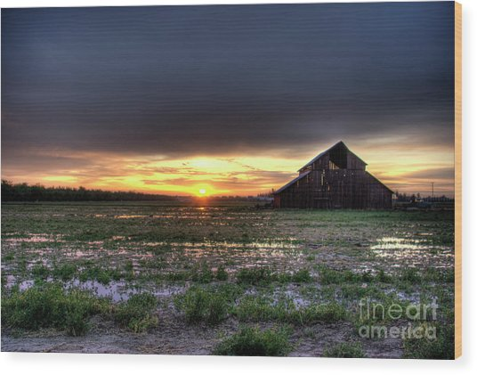 Barn Sunrise Wood Print