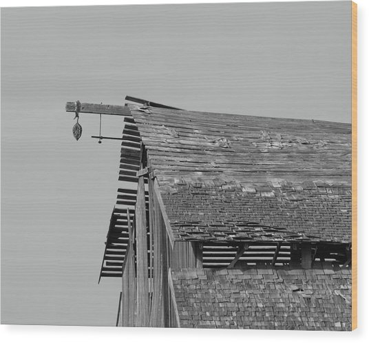 Barn Tracy Ca Wood Print by Troy Montemayor