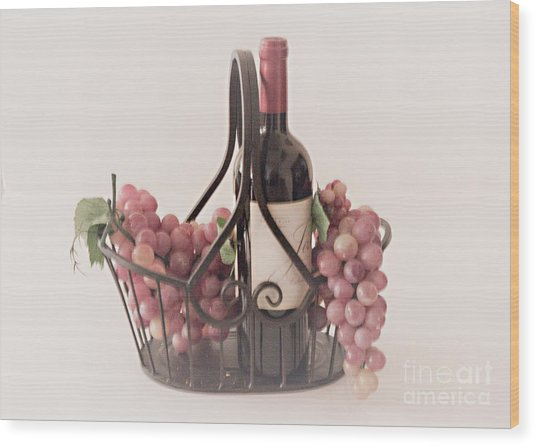Basket Of Wine And Grapes Wood Print