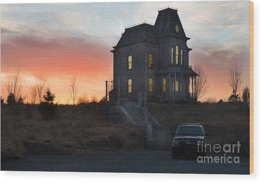 Bates Motel At Night Wood Print