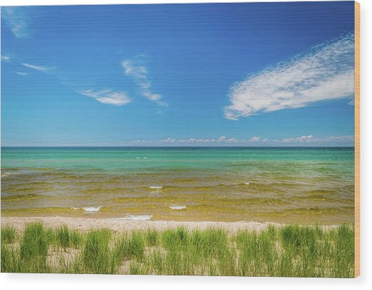 Beach With Blue Skies And Cloud Wood Print