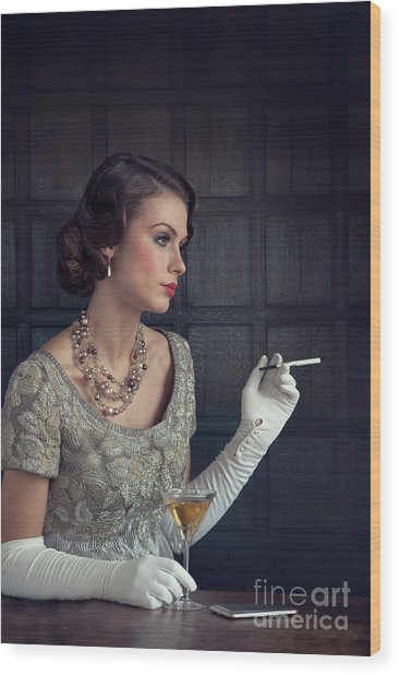 Beautiful 1930s Woman With Cocktail And Cigarette Wood Print