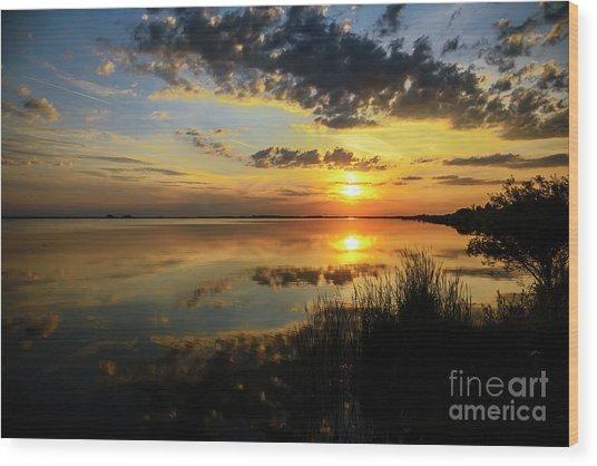 Beautiful Sunset At The Lake Wood Print