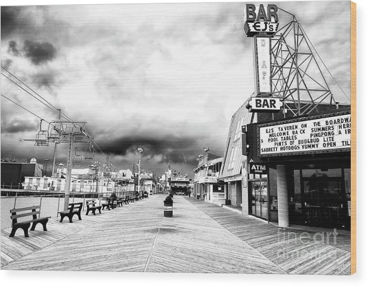Before The Crowds At Seaside Heights Wood Print