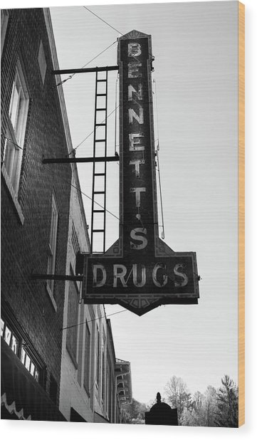 Bennett's Drugs In Black And White Wood Print