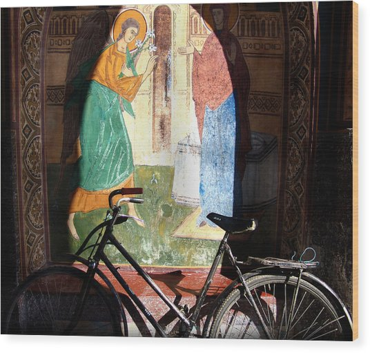 Bicycle And Mural Wood Print by Todd Fox