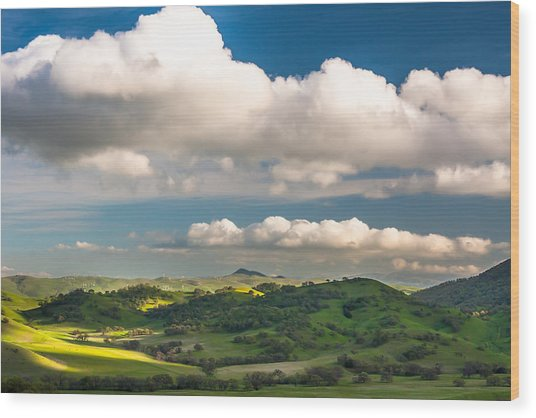 Big Clouds Over The Round Valley Wood Print