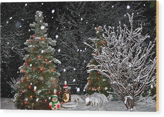 Big Snow Flakes    Holiday Card 6 Wood Print by Robert Joseph