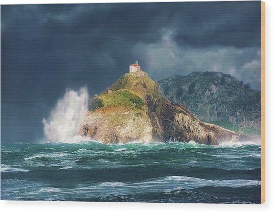 Big Waves Over San Juan De Gaztelugatxe Wood Print