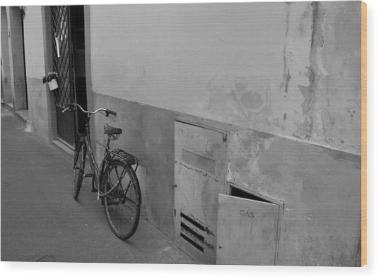 Bike In Alley Wood Print