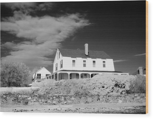 Black And White Image Of A House In New England In Infrared Wood Print by David Thompson