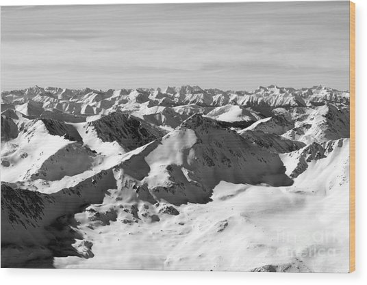 Black And White Of The Summit Of Mount Elbert Colorado In Winter Wood Print