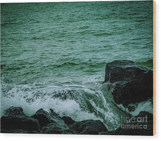 Black Rocks Seascape Wood Print