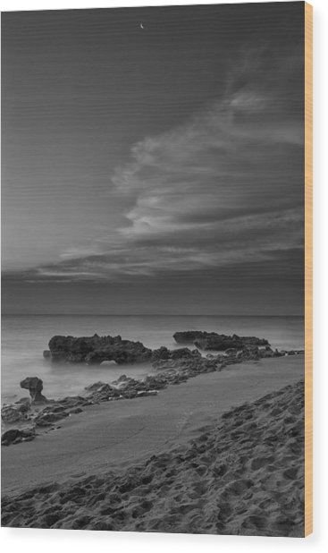 Blowing Rocks Black And White Sunrise Wood Print