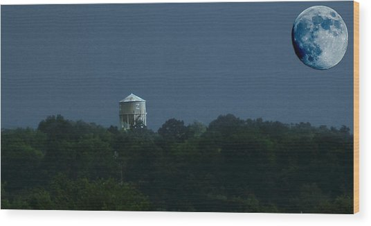 Blue Moon Over Zanesville Water Tower Wood Print