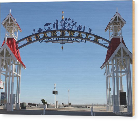 Boardwalk Arch At N Division St Wood Print