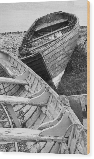 Boats On Beach - Greystones Harbour Wood Print by Gary Rowe
