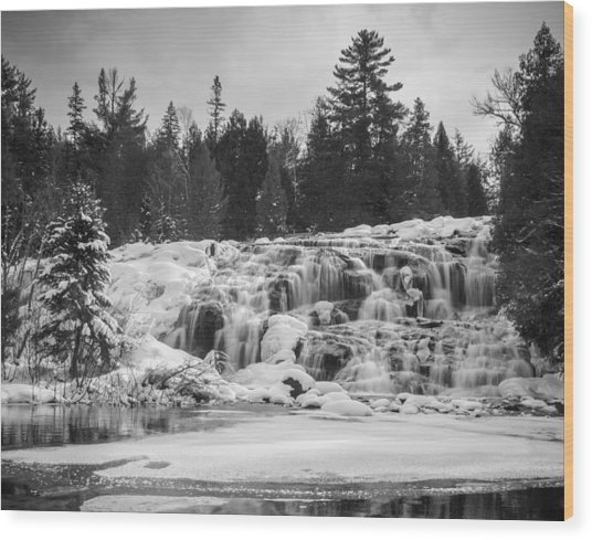 Bond Falls In Black And White Wood Print