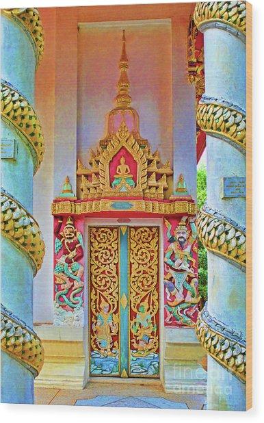 Bophut Temple In Thailand Wood Print