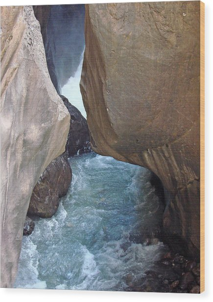 Box Canyon Falls Wood Print