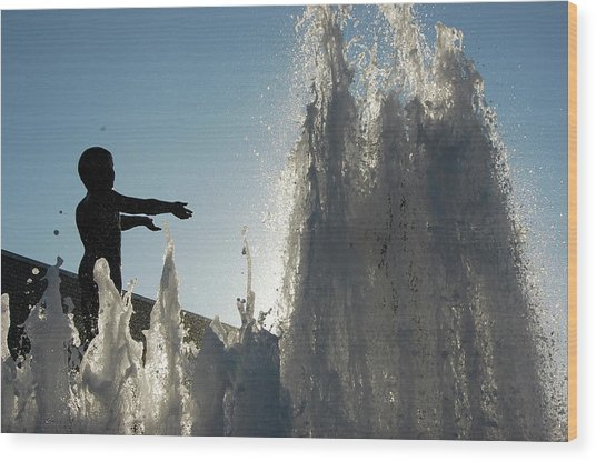 Boy In Fountain Wood Print by Samantha Kimble
