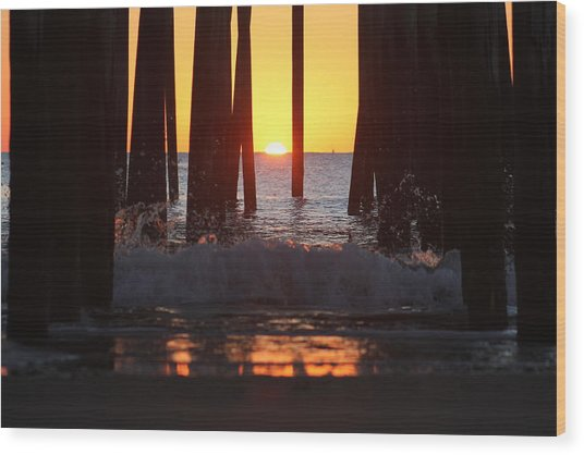 Breaking Dawn At The Pier Wood Print