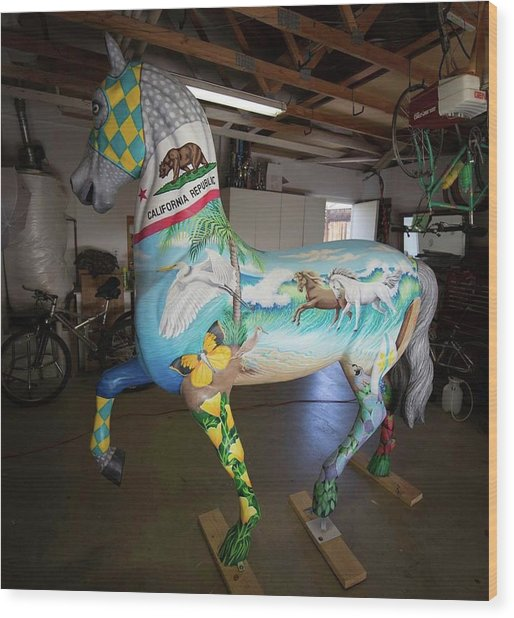 Breeders Cup Fiberglass Horse Left Wood Print
