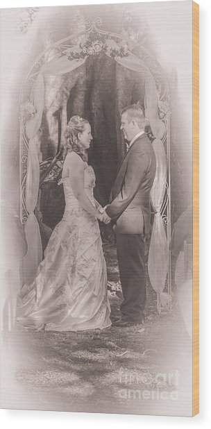 Bride And Groom Exchanging Vows On At Alter Wood Print