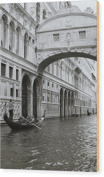 Bridge Of Sighs And Gondola, Venice, Italy Wood Print