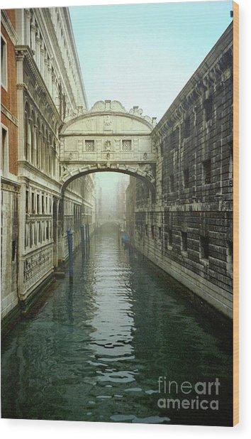 Bridge Of Sighs In Venice Wood Print by Michael Henderson