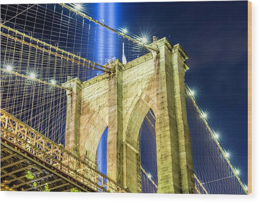 Brooklyn Bridge And The Tribute In Light Wood Print by Zev Steinhardt