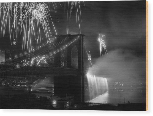 Brooklyn Bridge Columbus Quincentennial 1992 Wood Print by Tom Callan