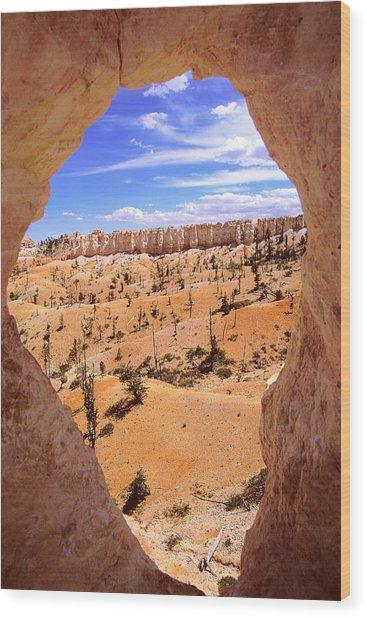 Bryce Canyon Window Wood Print by Alan Lenk