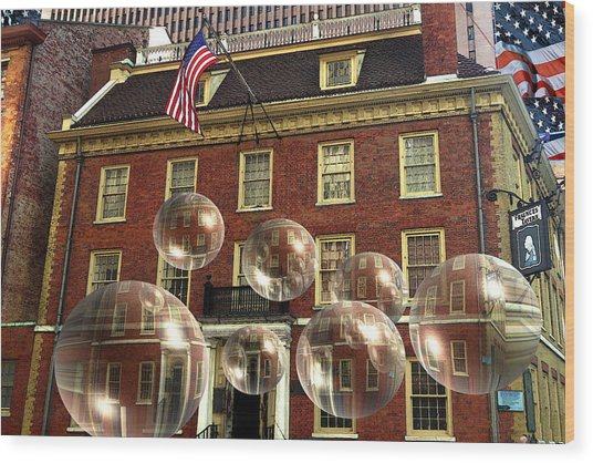 Bubbles Of New York History - Photo Collage Wood Print
